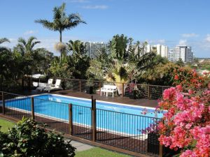 Villa with Views  Pool - Accommodation Mooloolaba