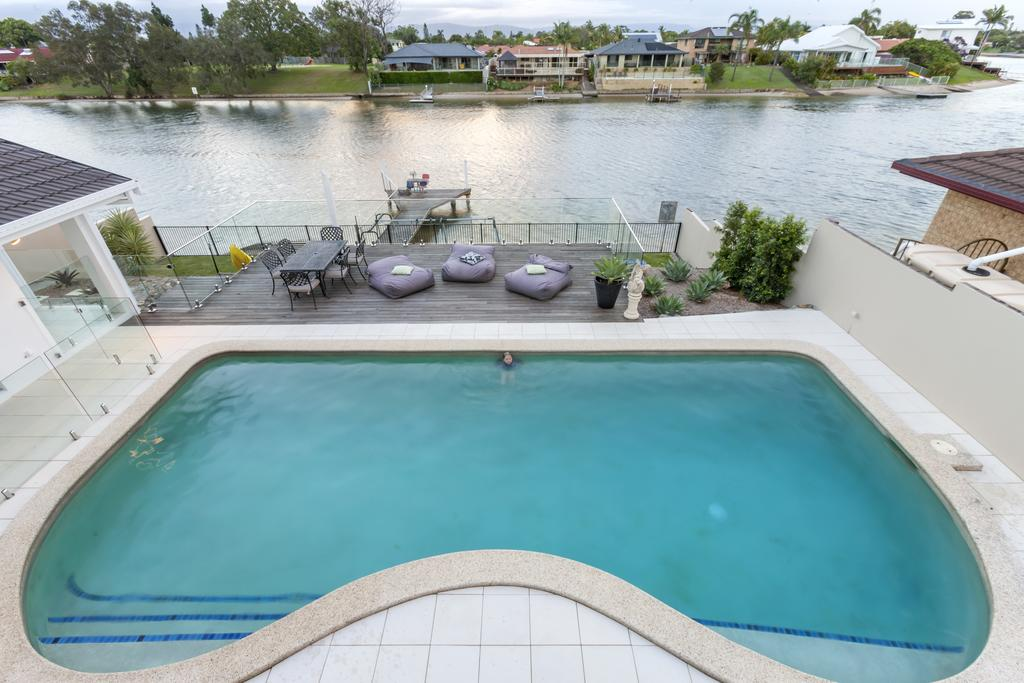 Waterfront Entertainer - Accommodation Mooloolaba