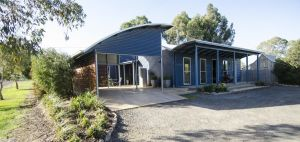 Corrugated Cottage - Accommodation Mooloolaba