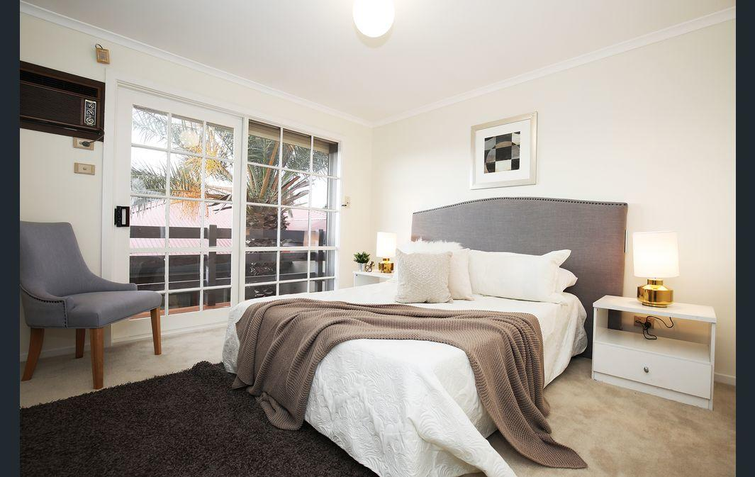 The Gallery Hours - Accommodation Mooloolaba