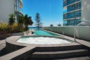 Reflection Tower Two - Accommodation Mooloolaba