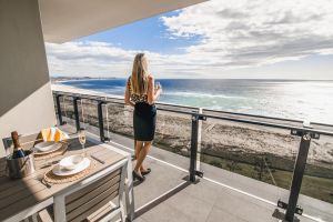 Iconic Kirra Beach Resort - Accommodation Mooloolaba