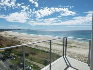 Pure Kirra - Accommodation Mooloolaba