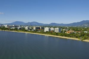 Holiday Inn Cairns Harbourside - Accommodation Mooloolaba