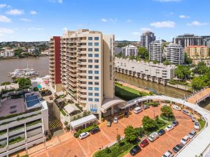 Central Dockside Apartment Hotel - Accommodation Mooloolaba