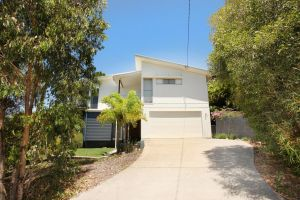 224 Centenary Heights Road Coolum Beach 500 Dollar Bond Linen Included - Accommodation Mooloolaba