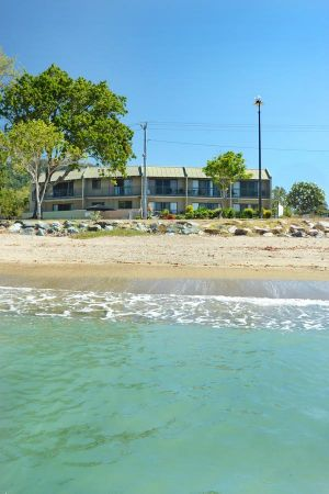 Whitsunday Waterfront Apartments - Accommodation Mooloolaba