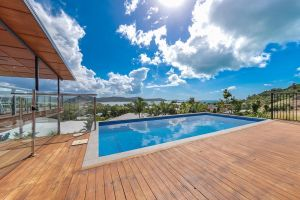 Viewpoint Holiday Home - Cannonvale - Accommodation Mooloolaba