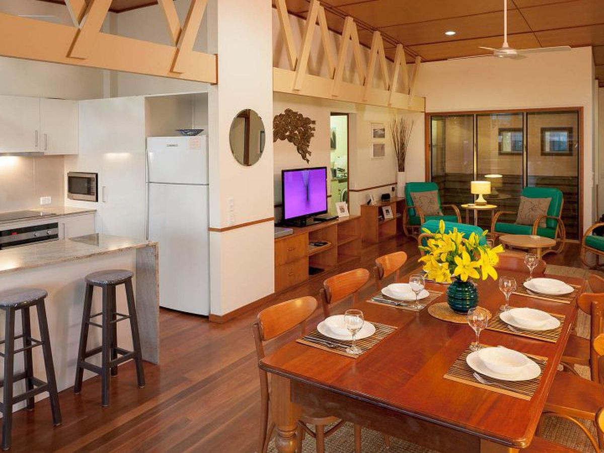 Claytons on Cylinder Beach Front - Accommodation Mooloolaba
