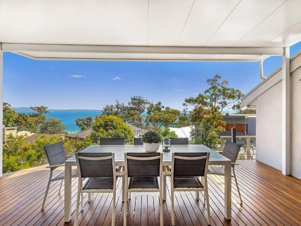 'Nunkeri' 5 Kerrie Close - Stunning House with Fabulous Views Linen WIFI  Air Conditioning - Accommodation Mooloolaba