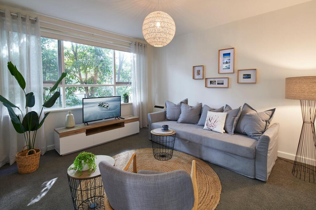 1 Bedroom Apt With Parking Stroll to Elwood Beach - Accommodation Mooloolaba