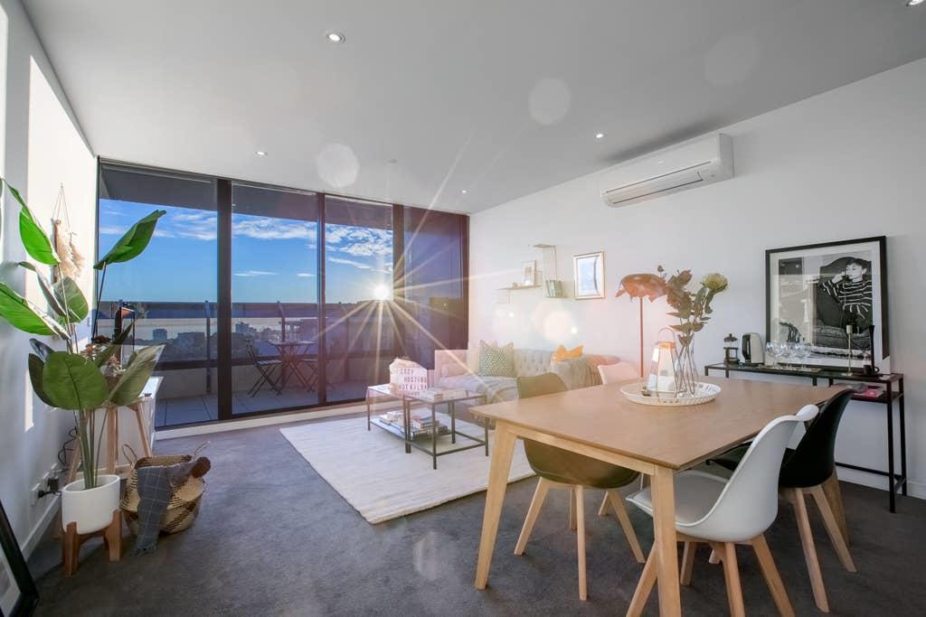107 Light Filled Cozy Apt in the Heart of St Kilda - Accommodation Mooloolaba