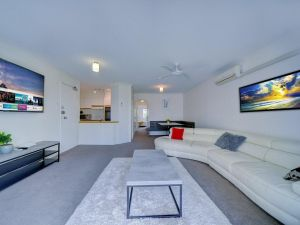 2BR Aloha Lane Main Beach Apartment - Accommodation Mooloolaba