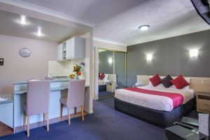 AAA Airport Albion Manor Apartments and Motel - Accommodation Mooloolaba