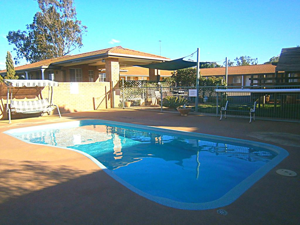 Aaron Inn Motel - Accommodation Mooloolaba