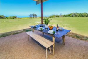 Absolute Beachfront  Secluded New Home - Accommodation Mooloolaba