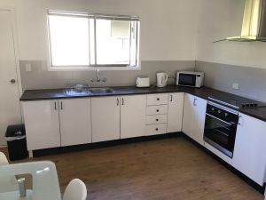 Airlie Getaway Unit 1 - Accommodation Mooloolaba