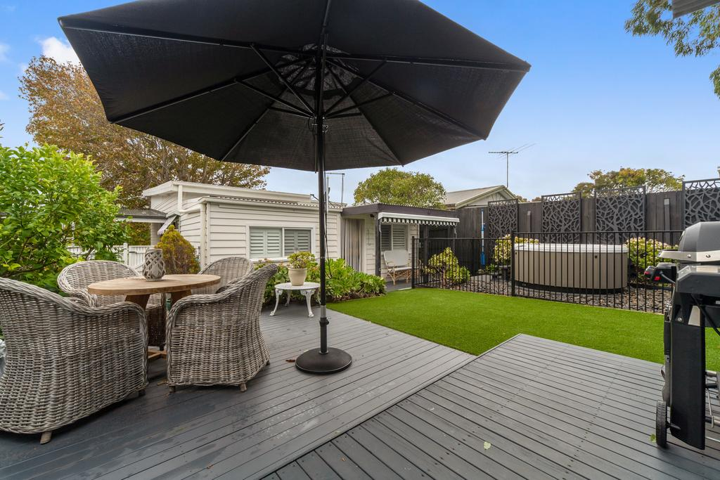 Amber Cottage Luxury Seaside Retreat with outdoor spa - Accommodation Mooloolaba