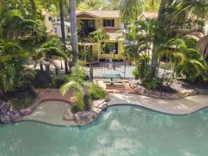 Ashmore Palms Holiday Village - Accommodation Mooloolaba