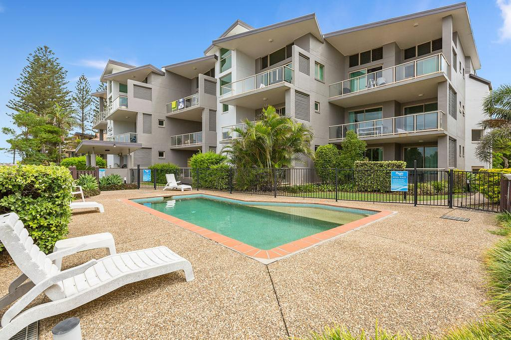 BEACH BLISS LUXURIOUS APARTMENT with POOL - Accommodation Mooloolaba
